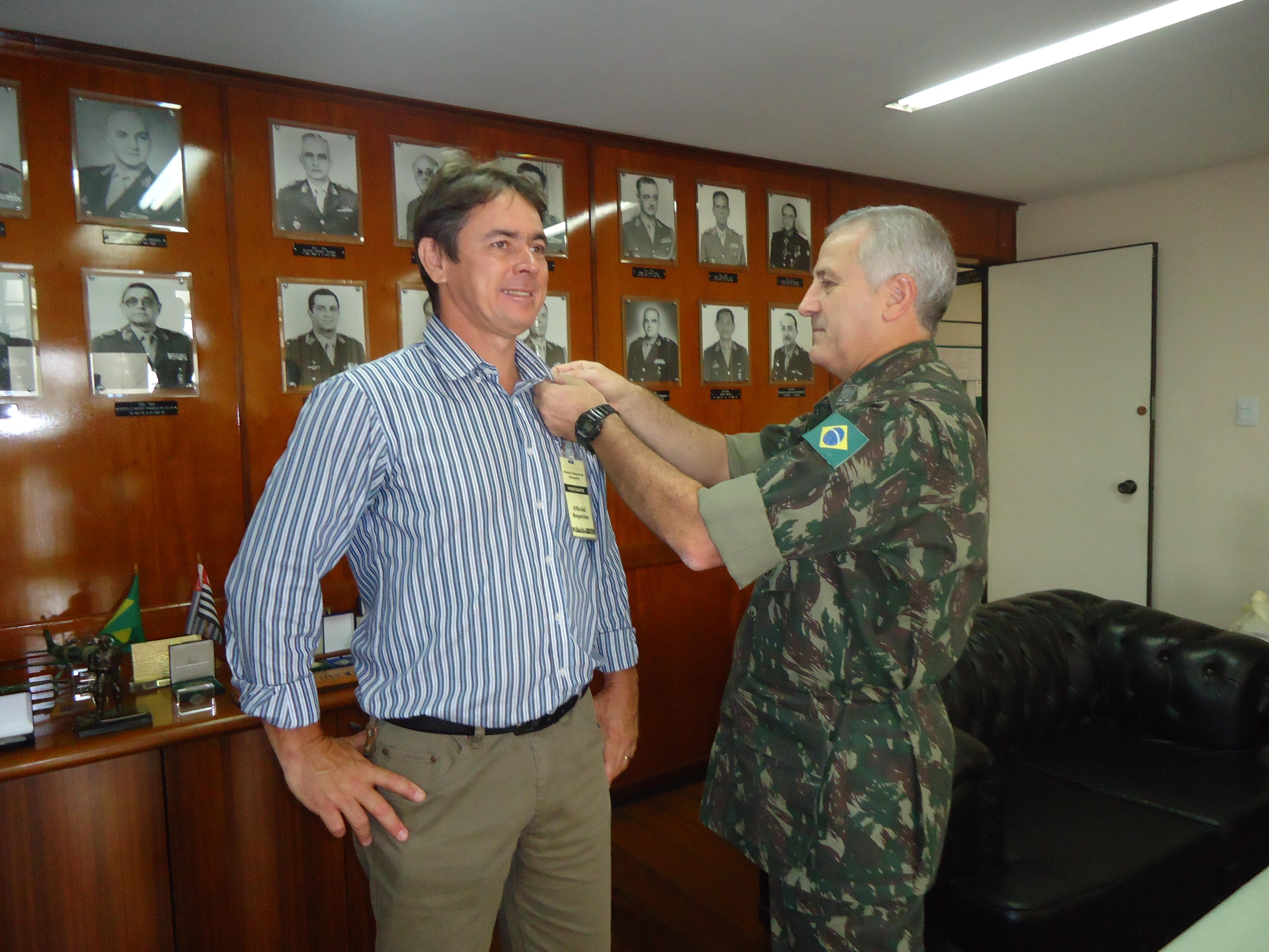 Homenagem recebida pelo General Russo - Exército Brasileiro