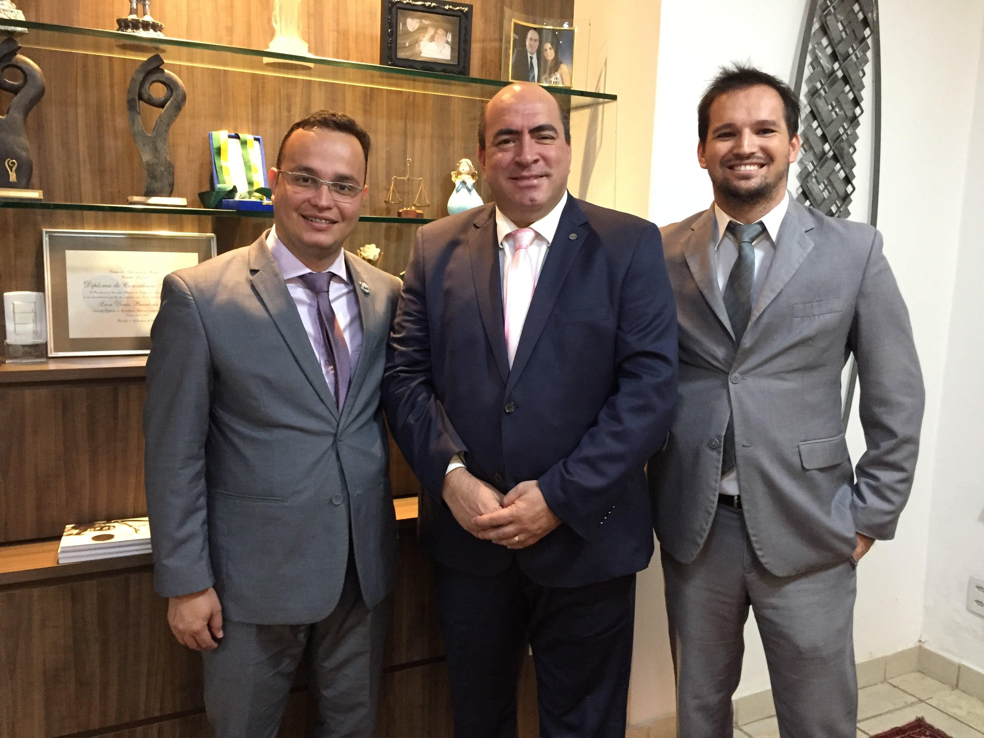 Amigos Dr. Leon Deniz Conselheiro Federal da OAB por Goiás e Dr. Max Paulo