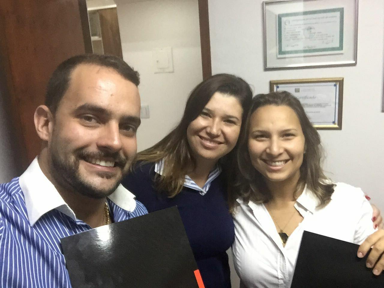Advogados Thomas Bernardes, Cristiane Azevedo e Mayra Santana, nesta ordem.